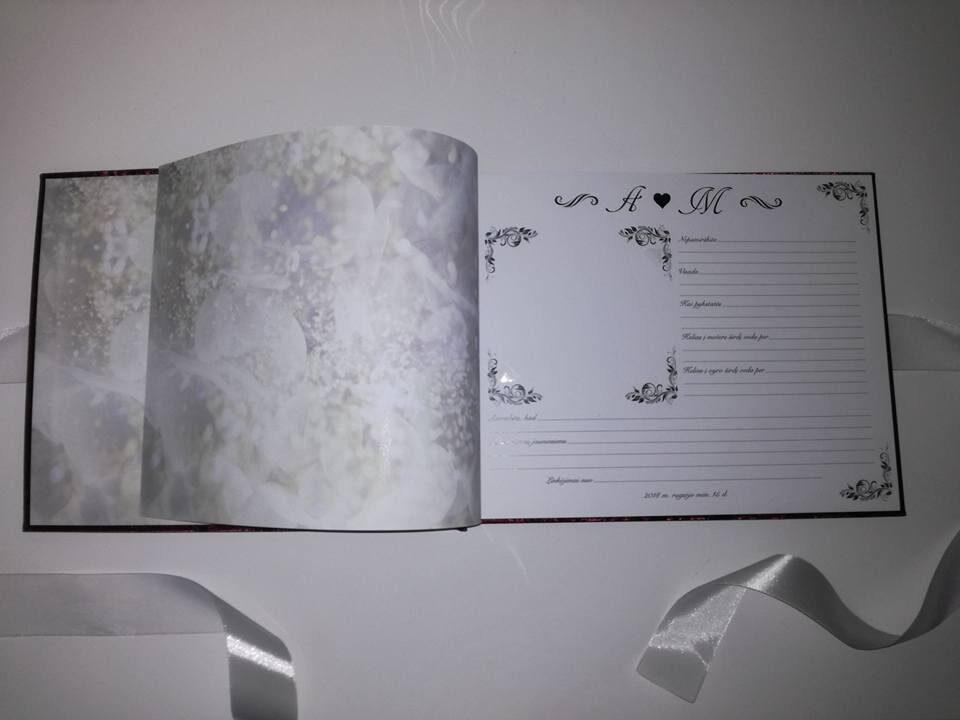 Bordo knyga su inicialais ir širdele