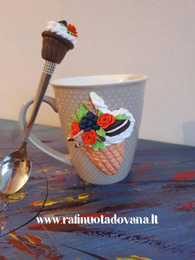 Ledai ant puodelio (puodelis ir šaukštelis)