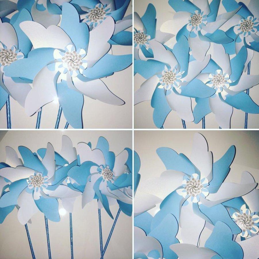 Vėjo malūnėliai (šviesiai mėlyni su baltu)