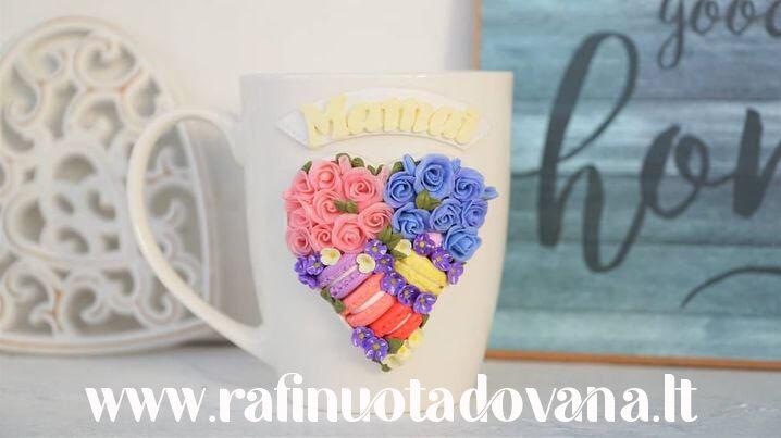 Dekoruotas puodelis širdelė Mamai