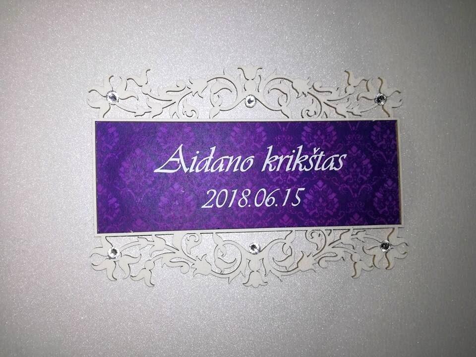 Krikštynų knyga su violetiniu akcentu