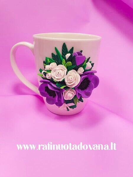 Dekoruotas puodelis su užrašu
