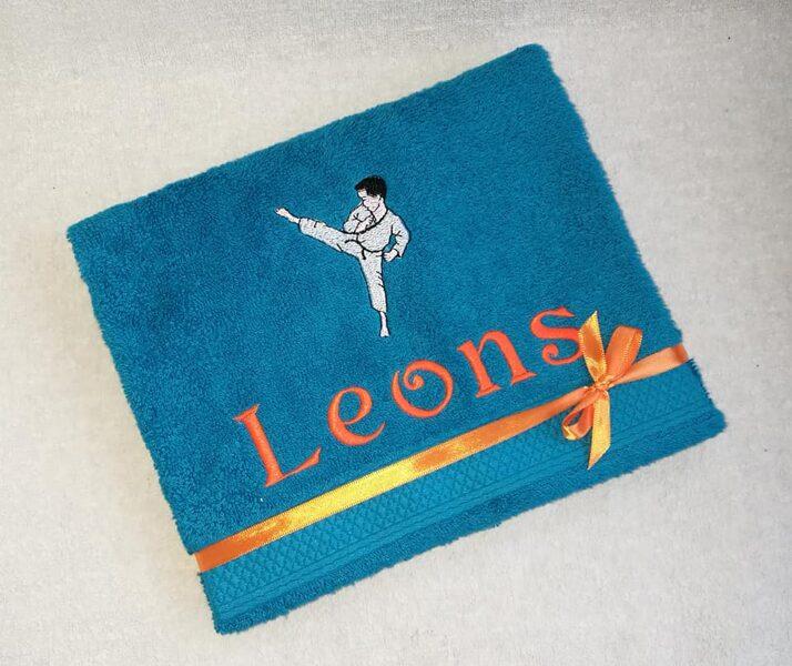 Siuvinėtas rankšluostis (Leons)