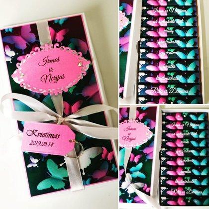 Kvietimas arba padėka liudininkams (rožiniai ir mėlyni drugeliai)
