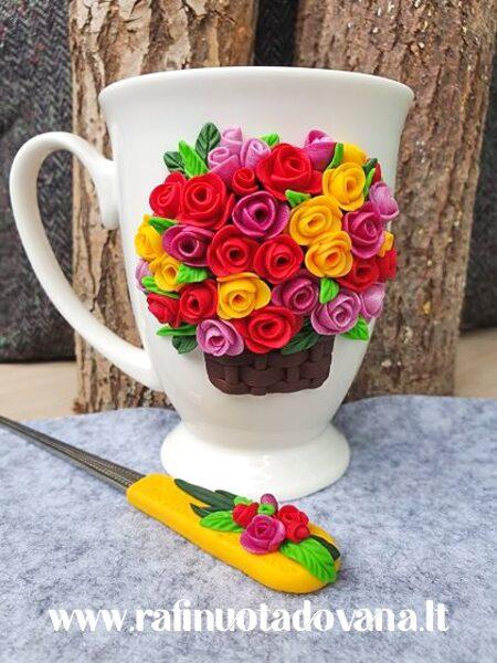 Dekoruotas puodelio ir šaukštelio komplektas ROŽĖS
